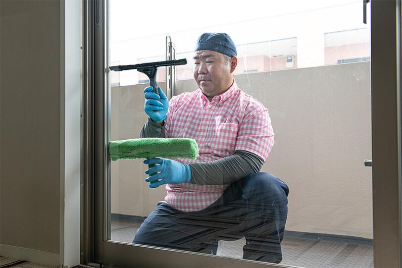 窓クリーニング 施工の様子