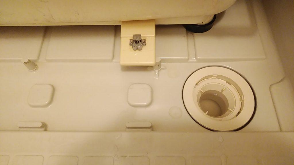 埼玉県八潮市のハウスクリーニング、浴室クリーニング、エプロン内高圧洗浄後