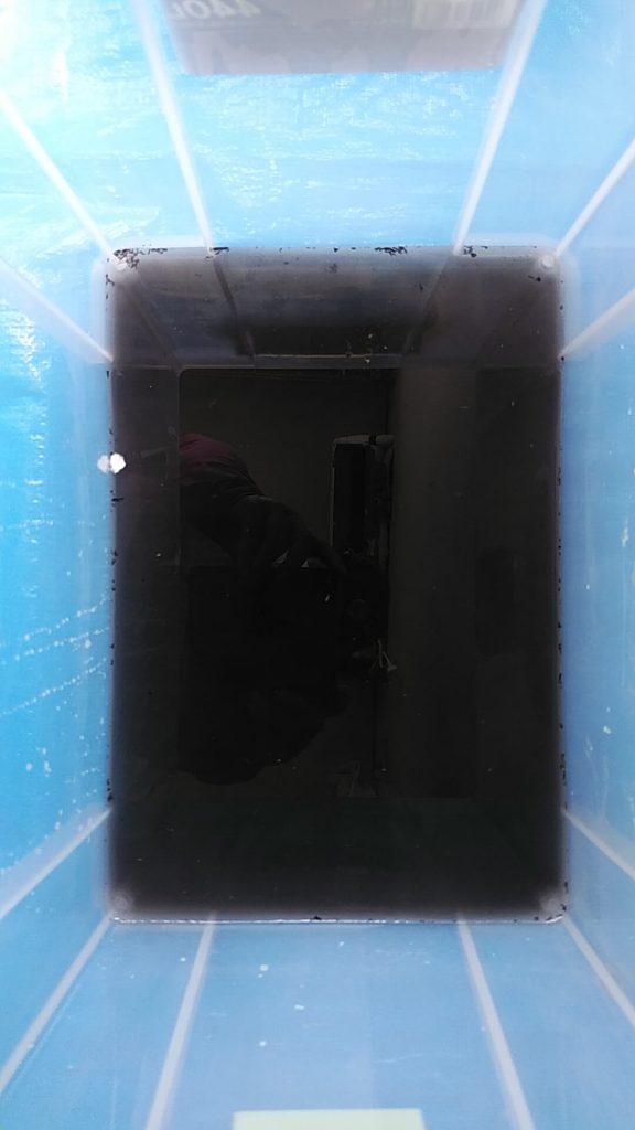 埼玉県三郷市のエアコンクリーニング、高圧洗浄後の汚水