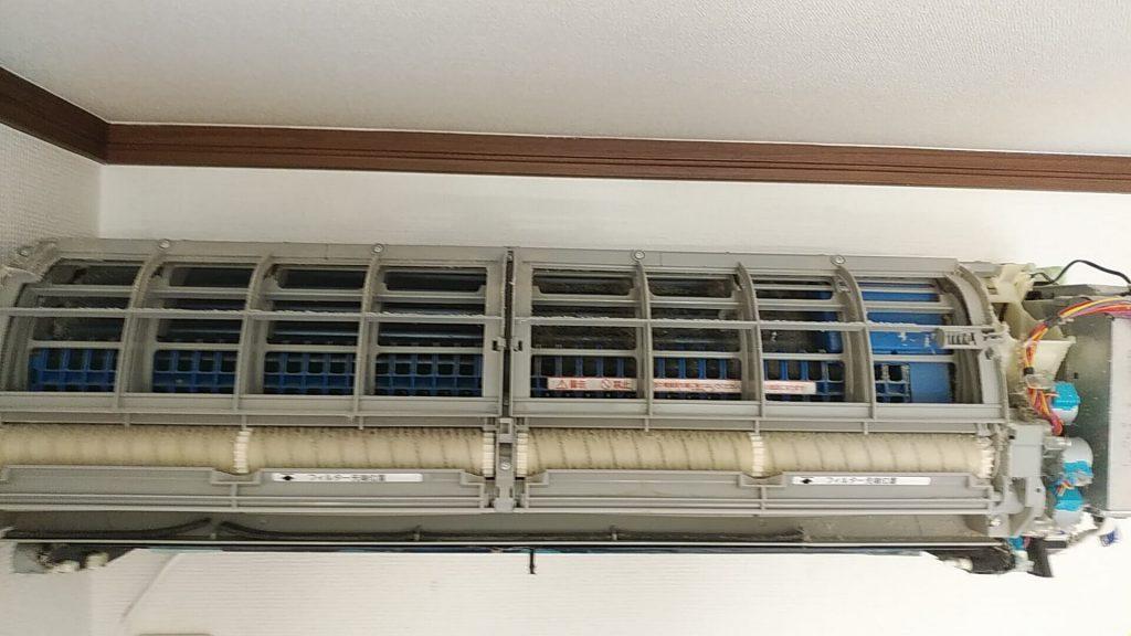 埼玉県川口市のエアコンクリーニング、エアコン掃除、お掃除ユニット分解前
